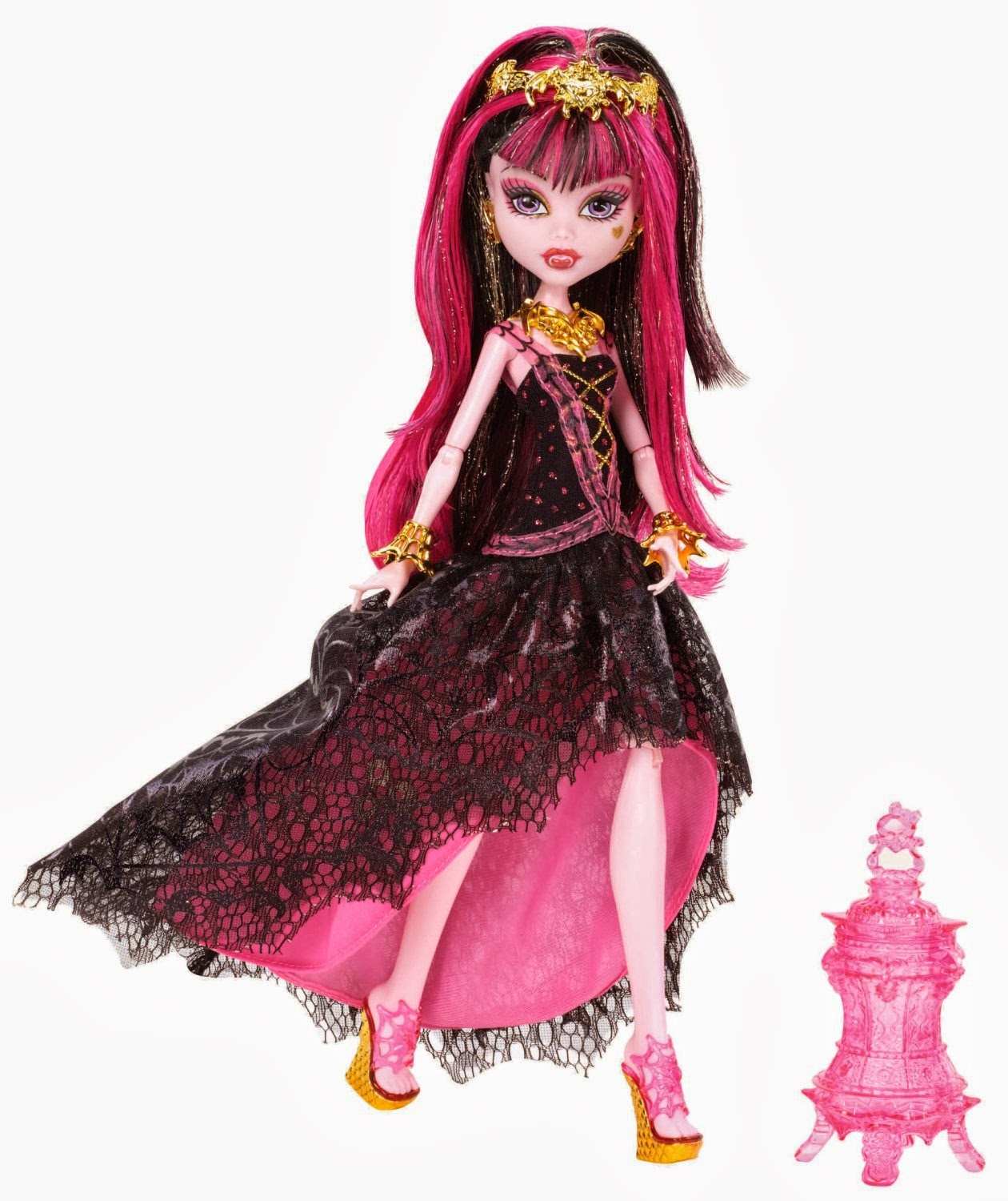 Monster Entertainment Featuring a monsterrific blend of Werewolf and Plant Monster scaritages, the Monster High Freaky Fusions Clawvenus Doll is a positively frightful addition to any collection for play or display - a doll stand is included.