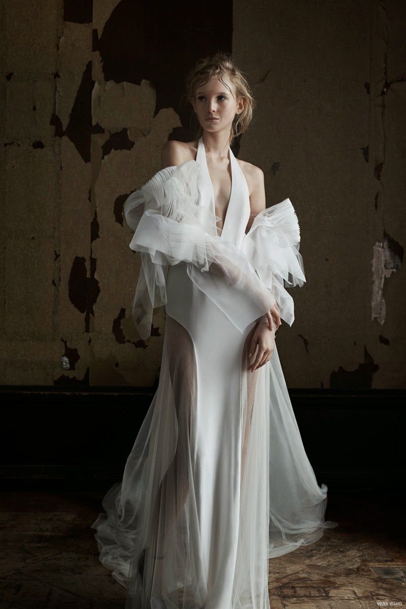 Vera Wang presents sexy bridal gowns for the Spring 2016 season