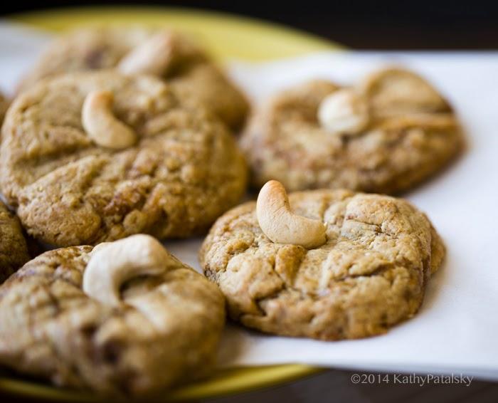 2014_07_17_cashew-cookies_9999_77cashew-cookies.jpg