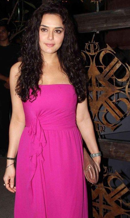 Bollywood Actress World (Original): Cute Preity Zinta Exclusive Stills