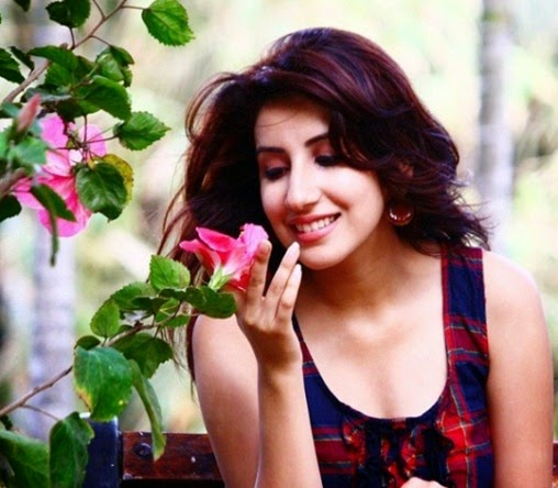 Parul Gulati Sweet photos, Parul Gulati Wallpaper free, Parul Gulati wallpaper free download, Parul Gulati free pics