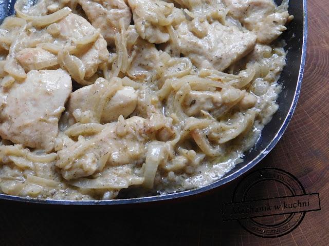Filet z kurczaka w sosie musztardowym szybka potrawa z kurczaka genialny smak sos musztardowo cebulowy