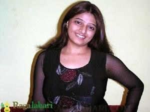 sizzling hot telugu tv anchor actress jahnavi