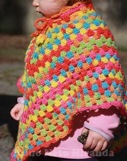 """alt=""""crochet poncho, granny squares, Ice Yarns Baby Wool Print, poncho de criança em crochet, quadradinhos da avó"""""""