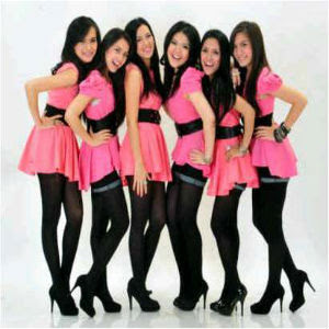 lirik lagu Tina With D'Girls - Casanova Lyrics