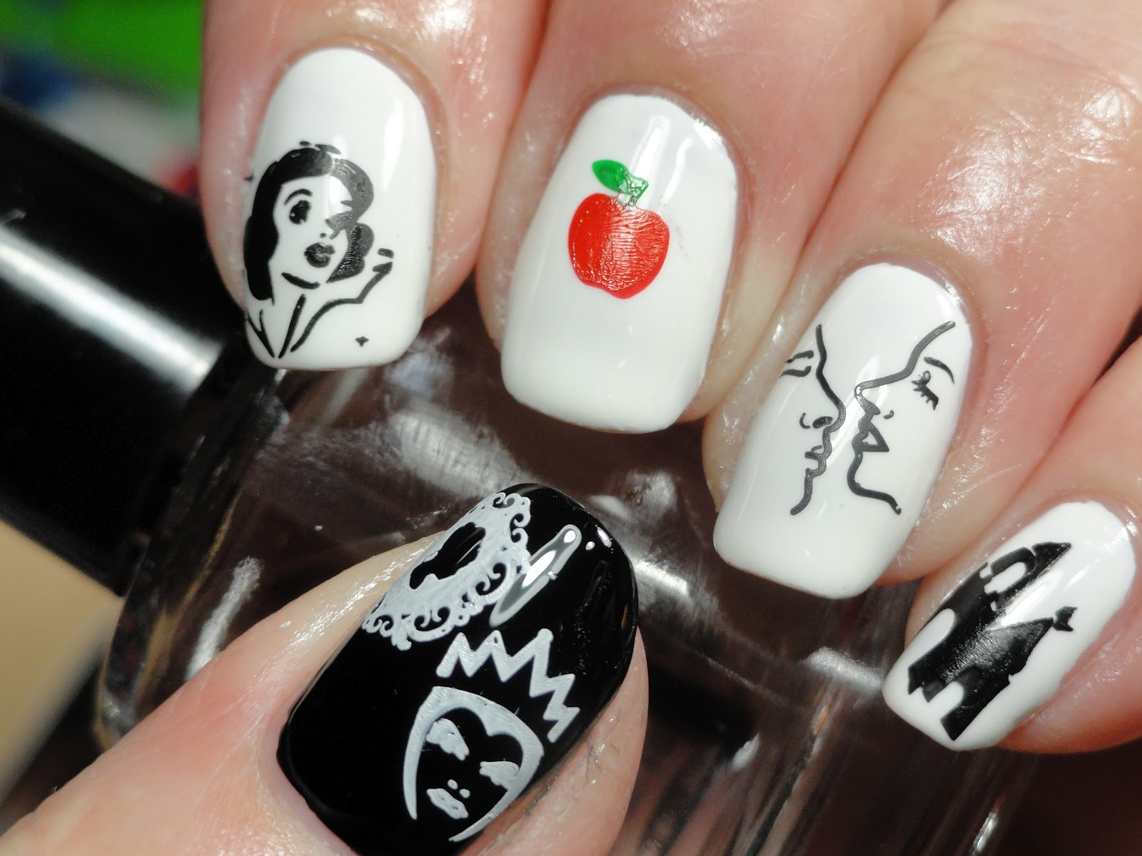 Canadian Nail Fanatic: Snow White for Poisonous Challenge