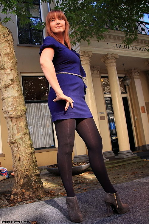 Mature women in pantyhose movies