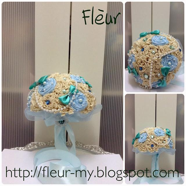 Vintage Pom Bouquet by Fleur
