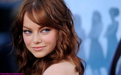 Emma Stone Hollywood Actress Stylish Wallpaper