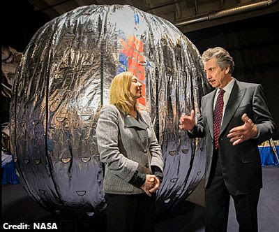 Robert Bigelow & Inflatable Room - Jan 2013