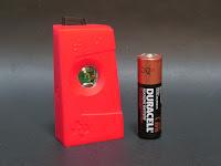 単3電池はサイズ比較用