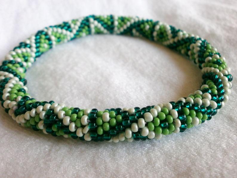 Edeltraud mit Punkten: Südsee-Perlen