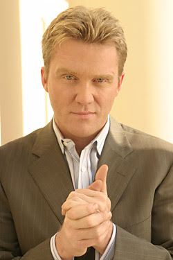 Anthony Michael Hall actores de television