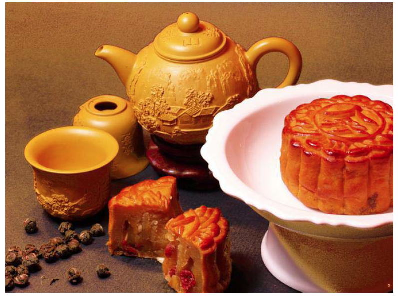 mid autumn festival essays Chinese : english: 中秋節: mid-autumn festival (noun) 農曆: lunar calendar (noun) 象徵: symbolize (verb) 闔家團圓 : family reunion (noun) 祭拜.