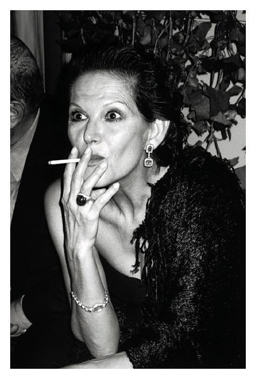 Claudia Cardinale Smoking Cigarette :: Business Smoking: http://www.businesssmoke.com/2012/03/claudia-cardinale-smoking-cigarette.html