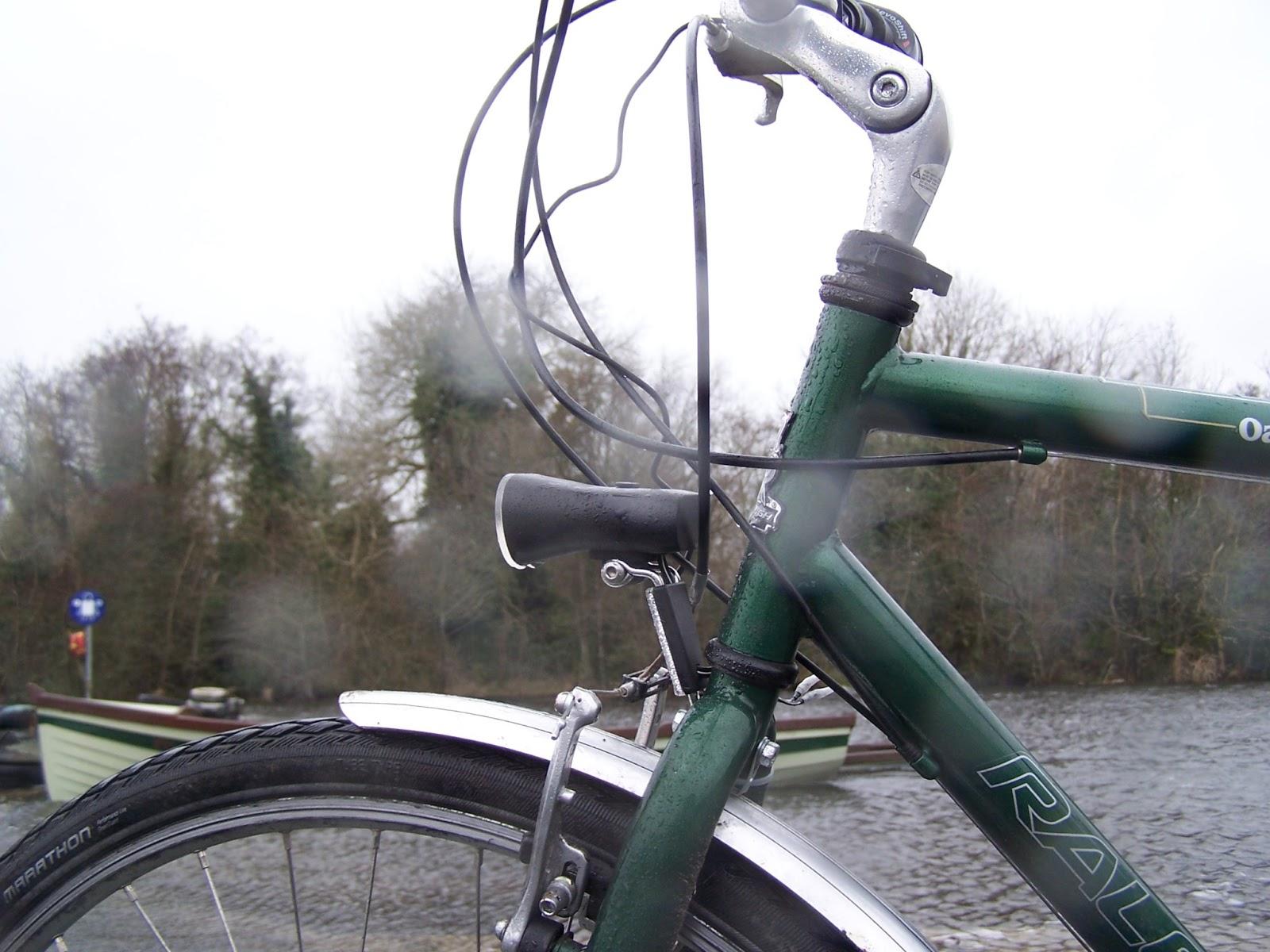The Backwoodsman Philips Saferide Led Bikelight Dynamo 60 Lux