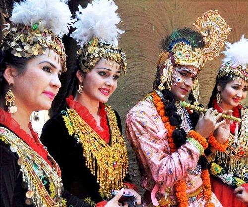 Uzbekistan Troupe at Surajkund Arts Fair,India