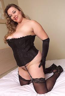 twerking girl - rs-08-761873.jpg