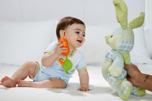 Tu bebé mes por mes_El cuarto mes de edad. | Creaciones Así Soy