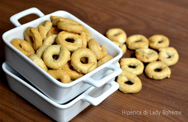 hiperica_lady_boheme_blog_di_cucina_ricette_gustose_facili_veloci_taralli