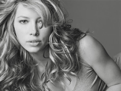 Hollywood Actress Wallpaper-Jessica Biel-905-1600x1200
