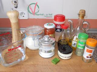 Ingredientes de las salchichas de seitán.