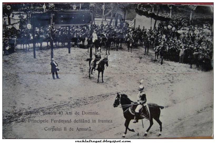 Regele Ferdinand defiland in fata armatei