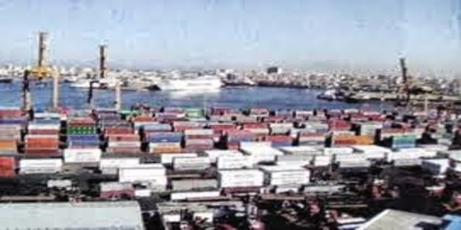 """تكدس بميناء الإسكندرية بسبب إضراب عمال """"الدولية للحاويات"""""""