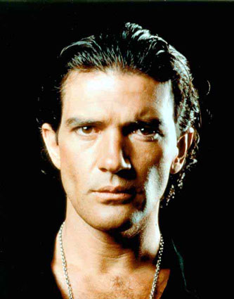 ... homens mais maduros, trago o megasexy astro do cinema, Antonio Banderas.