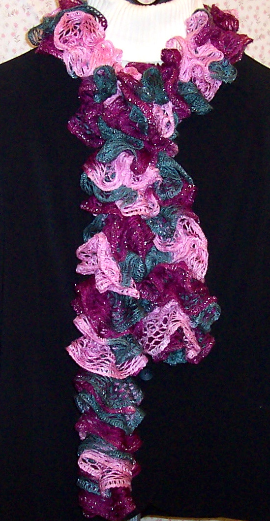 Sashay Ruffle Scarf Knit Pattern : JCs Sewing Room: Sashay and Ribbon Ruffle Scarves