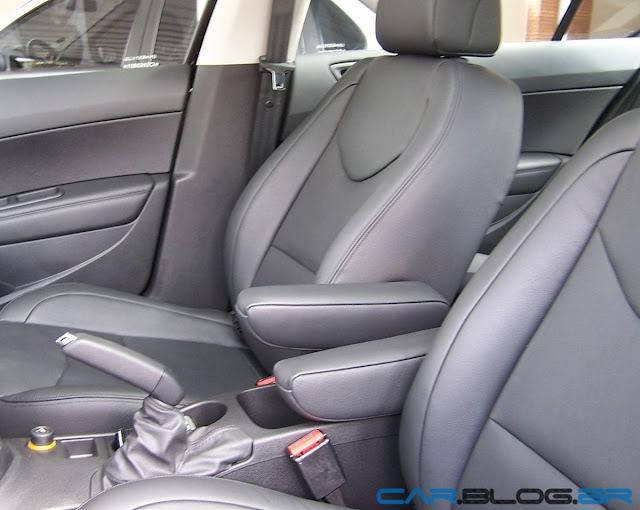 Peugeot 408 Allure 2012 Automático - interior couro