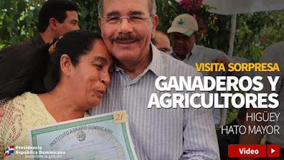 Danilo Medina cumple promesa: entrega títulos de tierras en Higüey y Hato Mayor