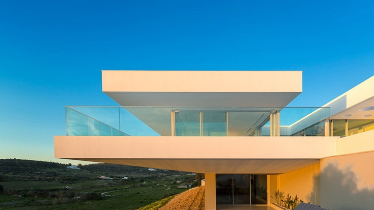 Balcony of Modern Villa Escarpa by Mario Martins