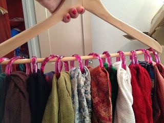 Scarf Hanger [Organization]