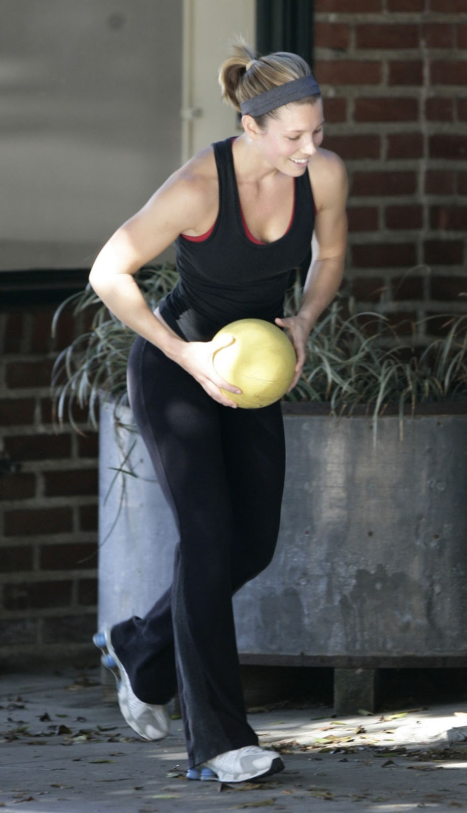 Jessica Biel Workout and Diet Secret | Muscle world Jessica Biel Workout