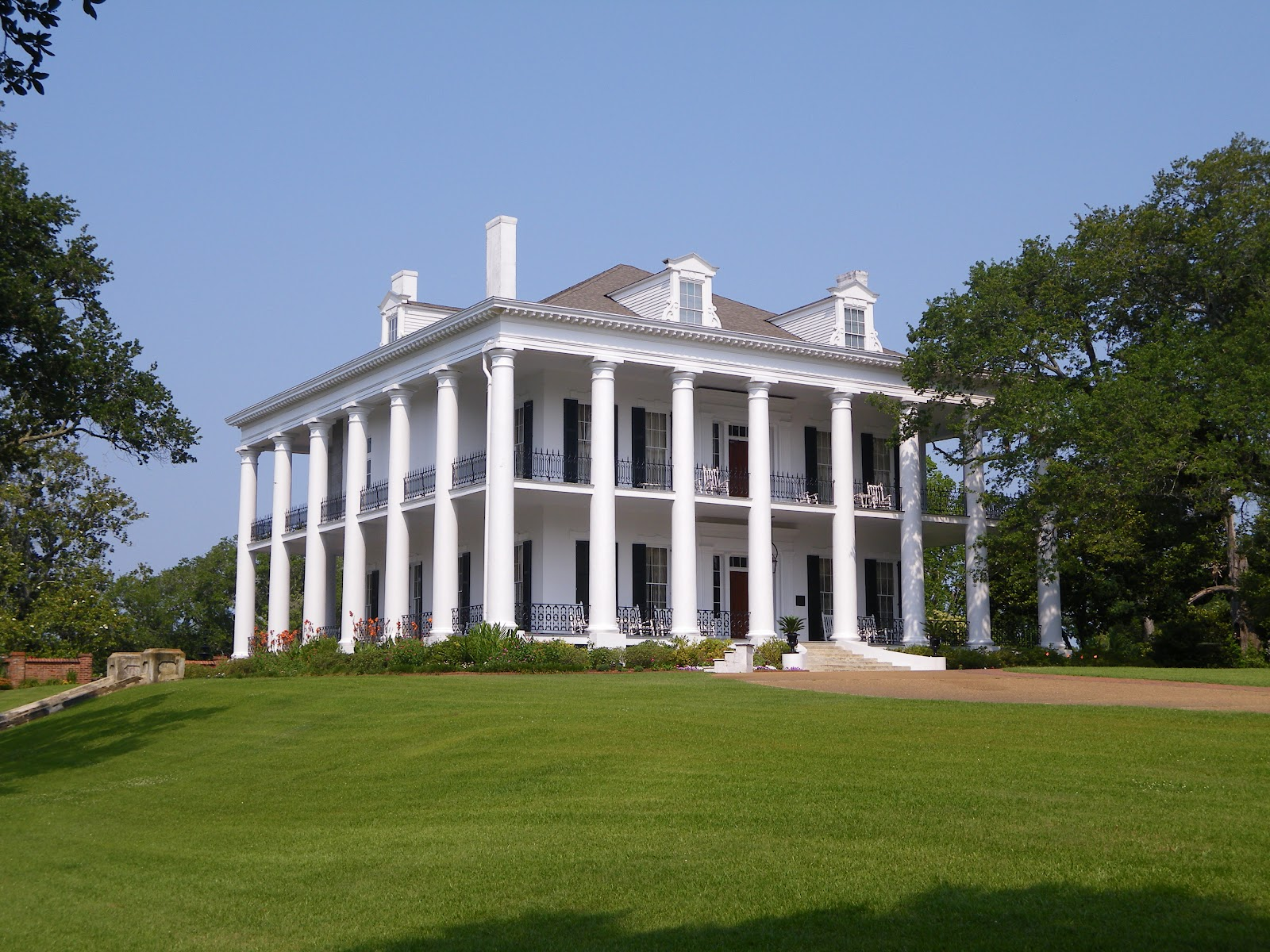Road trip 2012 the dunleith for Home builders in south ms