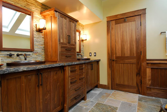 Craftsman Master Bathroom-2.bp.blogspot.com