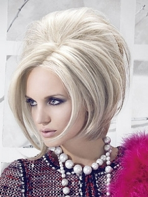 http://2.bp.blogspot.com/-eFlX9BJQ1oE/TzDhE8c9IcI/AAAAAAAAAA8/NdMOFykz_ak/s1600/2012-medium-hairstyles.jpg