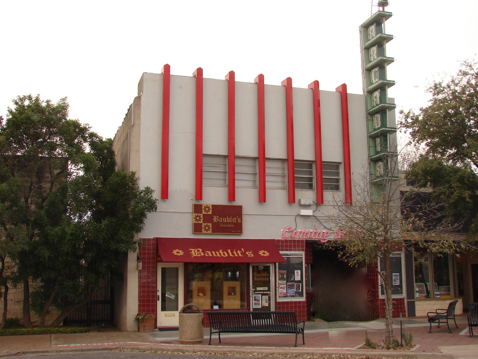 Located At 717 Water Street This Is The Iconic Arcadia One Of Most Familiar Buildings In Kerrville Historic Theatre Opened June 20 1926