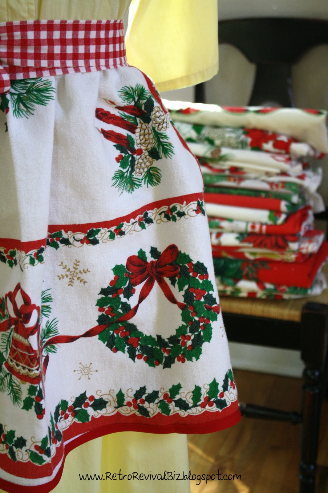Vintage Christmas Tablecloth and Apron Holiday Table Cloth