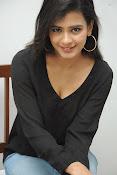 Hebah Patel glam pics in black top-thumbnail-3