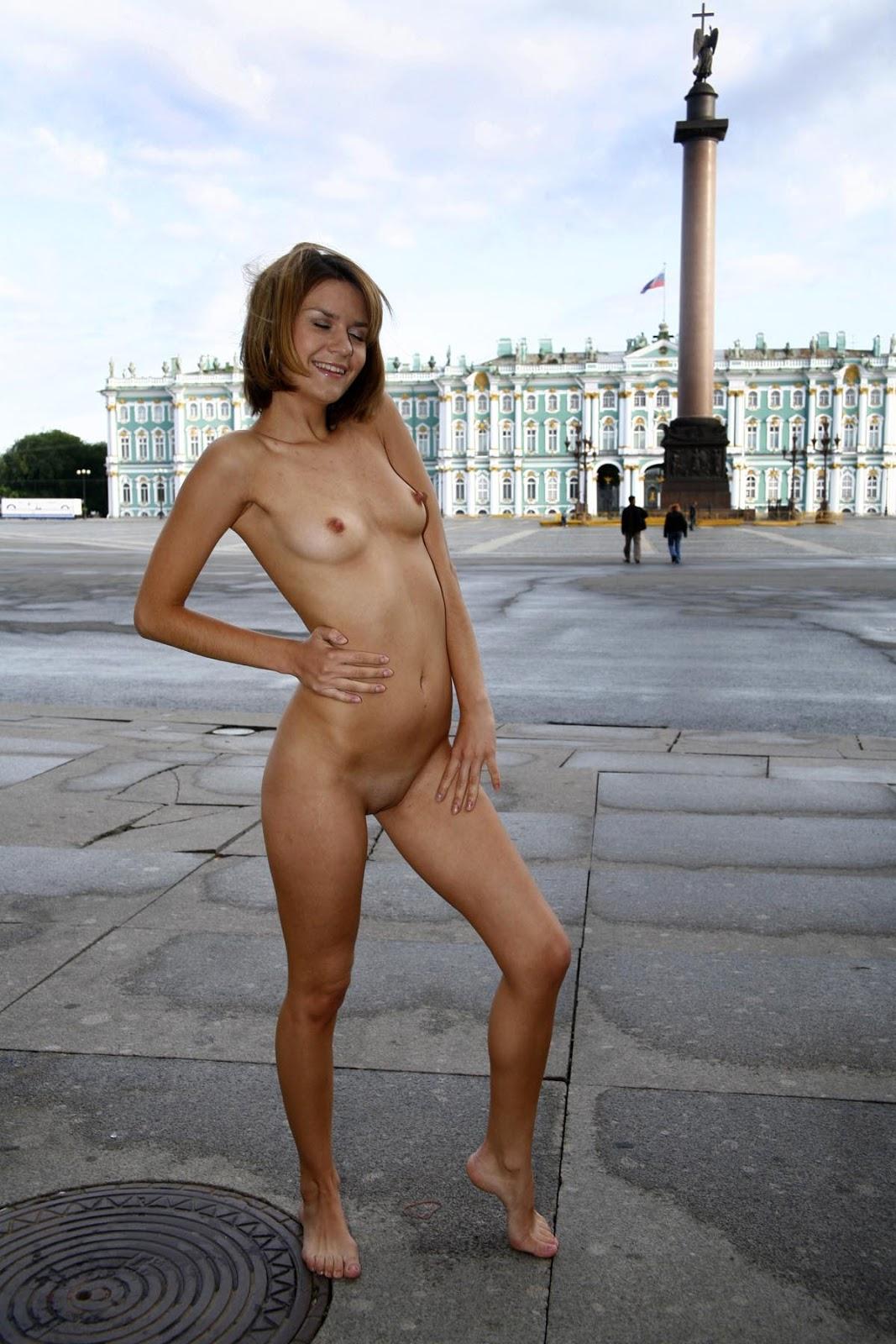 Голая девушка по петербургу фото 254-708
