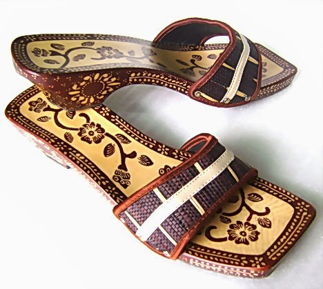 Aneka Sandal Tradisional