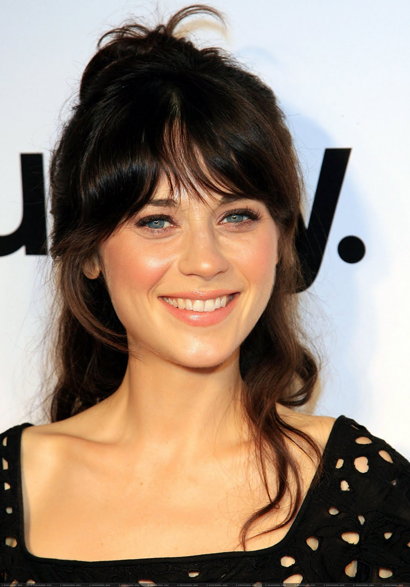 Fresh Look Celebrity Zooey Deschanel Hairstyles 55