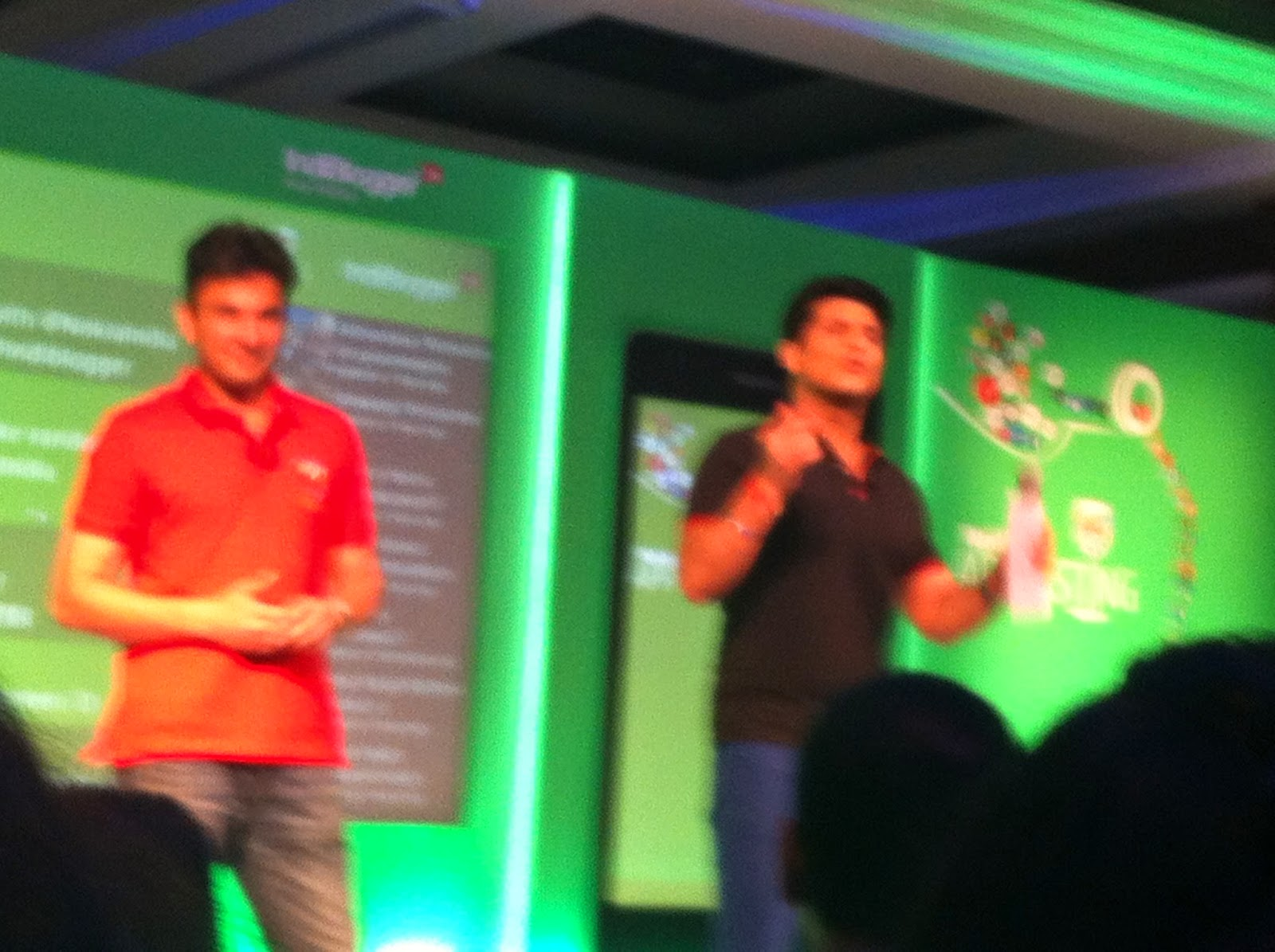Rajiv Makhani and Vikas Khanna at NokiaXL meet