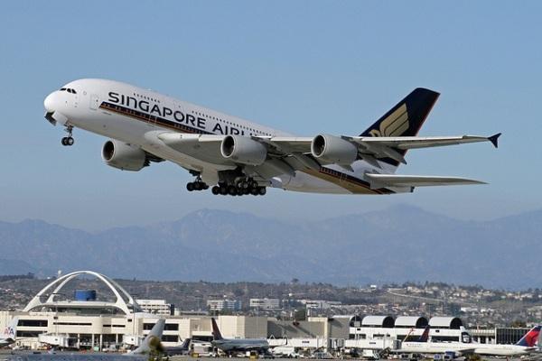 Singapore Airlines, Airbus A380-800. ZonaAero