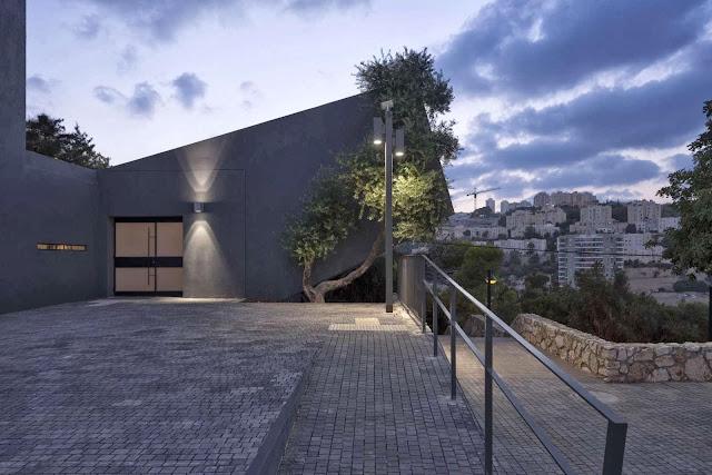 09-Nesher-Yad-Lebanim-by-So-Architecture