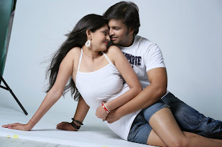 Swetha Jadhav Romantic Pocs with Hero Praveen from movie Premisthe Poyekalam Spicy Pics