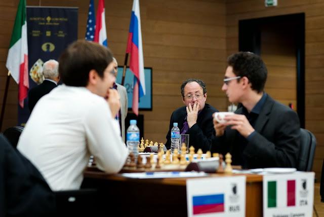 Grand Prix Khanty-Mansiysk. Jakovenko, Caruana y Gelfand al fondo.
