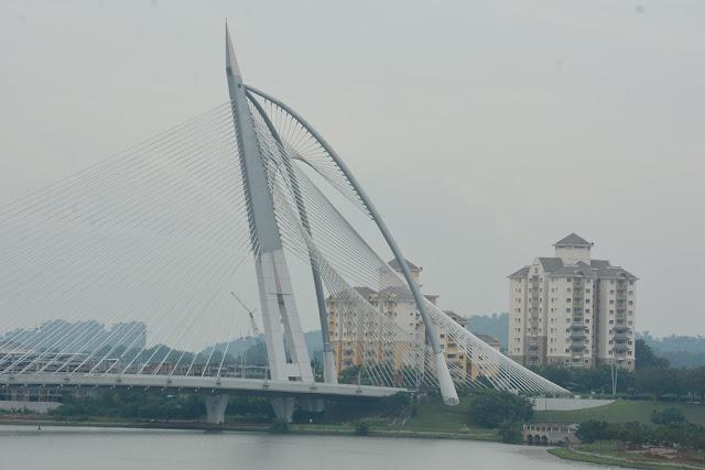 Bridge Putrajaya modern